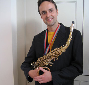 Dom Franks saxophone Firefly Band for hire